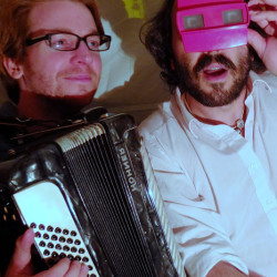 playing-music-having-fun-viewmaster-ryan-van-winkle-dan-gorman